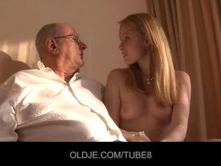 rosso, 69, sborrata