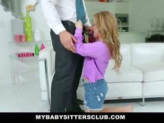 Mybabysittersclub - aranyos fiatal bébiszitter fucks apu mert bosszú
