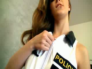Dangerous polizia donna