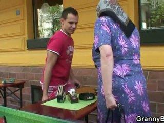 গোঙানী আলগা বাধন rides কঠিন meat