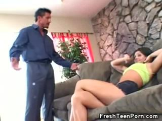 Pusaudze skaistule gets viņai vāvere licked