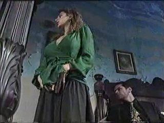 امرأة سمراء, الجنس عن طريق الفم, تقبيل