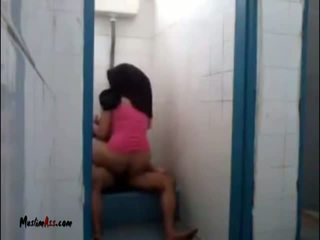 Hijab jilbab seks w toaleta