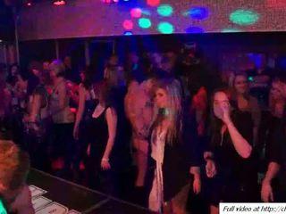 Louca inter-racial e outro sexo em festa vídeo