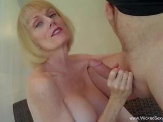 Neištikimybė savo vyrui mano hubby: nemokamai mano neištikimybė savo vyrui porno video 4c