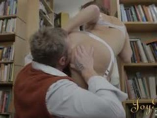 Vroče knjižni črv punca izkušene hardcore v the knjižnica