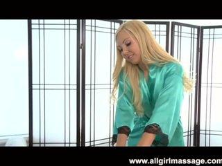 Aaliyah любов лесбийки масаж