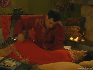Kamasutra avec indien couple