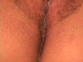 Girlie plays ar sekss rotaļlieta