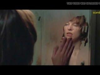 Milla jovovich aishatyler un sarah strange trijatā uz