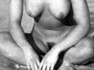 Alyssa Milano & Victoria Beckham Nude!
