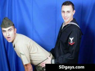 Two schattig homo vriend making uit