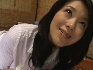 日本语 继母 抓 我 催人泪下 上 她的 短裤 视频