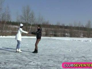 Heet tiener- neuken na ice skating