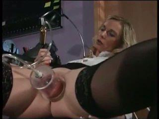 Mea sexy piercings asistenta cu pierced pumped pasarica sex