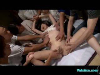 Azijke punca s mini prsi slepe miši fingered stimulated zajebal s igrače sesanje guys tič na the tla v the soba