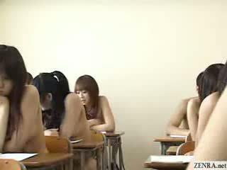 Kuliste schoolgirls tüm gitmek çıplak içinde okul