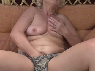 Real Granny with Hungry Ass and Pussy, HD Porn 04