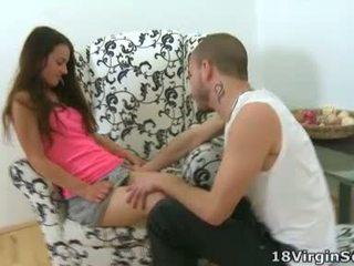 Nina is an incredibly sexy virgin die in roze looks mooi