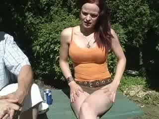 Tickle urinim të saj pants