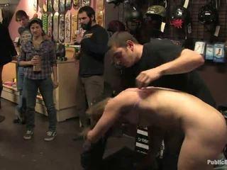 Compulsory إلى engulf شاق لاعبو الاسطوانات في ال محلي ليل ناد
