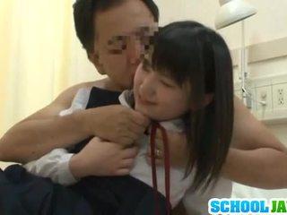 Čánske trainee visits male freind vnútri nemocnica