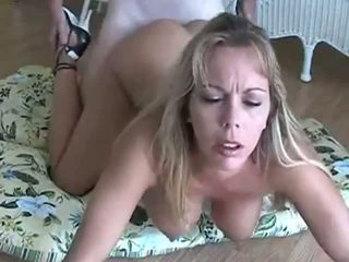 Amber lynn bach gets doggy knullet & creampied: gratis porno eb