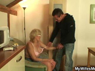 He Shafts Old Mom In Law Nice Onto The Table