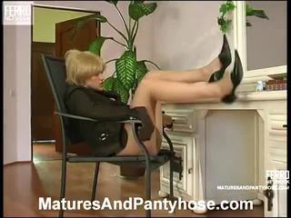 Matures And Pantyhose Scenes With Elsa, Connor, Susanna