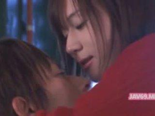 Ładniutka gorące azjatyckie dziewczyna having seks
