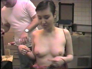Lateks eldiven ex-model slumming o tıbbi dicks içinde bir bar: porn 2b