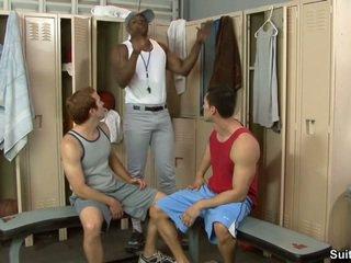 Trainer un viņa boys. alexander garrett, diesel washington un steven ponce