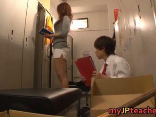 Kaori סקסי יפני מורה getting
