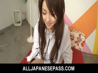 জাপানী cutie ria sakurai has তার furry muff filled সঙ্গে বাইকের আসন