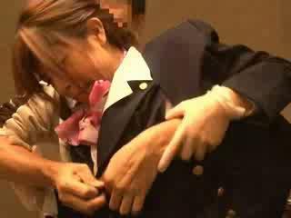 Ilma hostess haparoi mukaan passenger