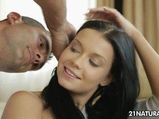 hardcore sex, líbání, piercing