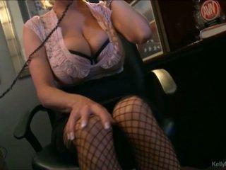 거유 kelly madison has 뜨거운 전화 섹스 에 그녀의 사무실