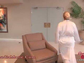 Enorme fake teta claudia marie meets la anal guru