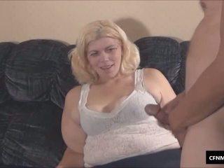 Άσχημος/η παχουλός/ή γυναίκα κυρίαρχος μπανιστηριτζής