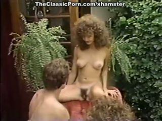 Porno in trei film în the gradina