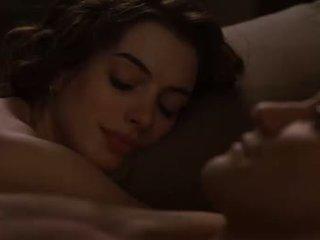 Anne hathaway 섹스 장면 부터 사랑 과 다른