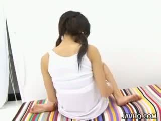 Haruka aida quente asiática jovem grávida solo