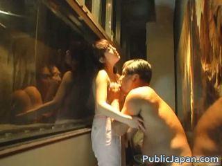 Asiatiskapojke doll är en kinky amatör som