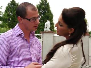 Valentina ross salesman
