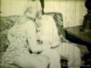 Breasty bionda retro shag