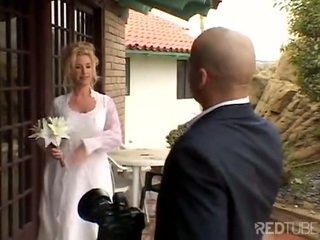 Taylor lynn fucks في لها زفاف