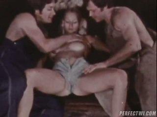 性交性愛, 肛交, 獨唱女孩