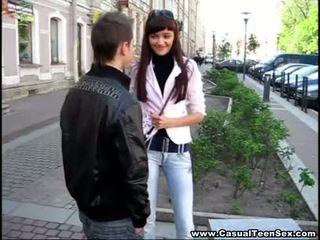 Casual في سن المراهقة جنس - cutie got امرأة سمراء في ل الأول تاريخ!