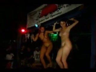 Girls going banteng on jamaika vacation 2