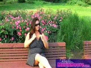 Maria moore - solo pada park bench